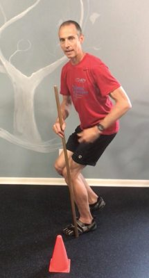 Single Leg Squat Cone Touch - side alignment