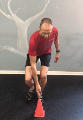 Single Leg Squat Cone Touch - ending position