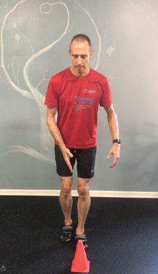 Single Leg Squat Cone Touch - starting position